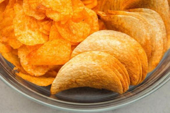 Врачи: чипсы и полуфабрикаты могут привести к депрессии у женщин