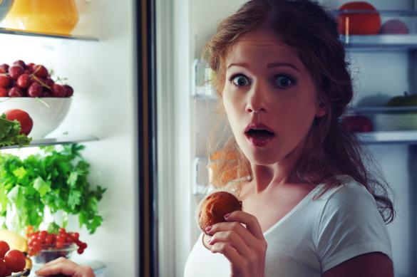 Диетолог рассказала об опасности ночных перекусов