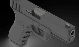 Раритетный пистолет подвел торговца оружием