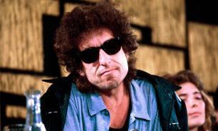 Боб Дилан принял Нобелевскую премию после двух недель молчания
