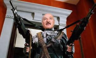 Лукашенко вооружился автоматом и готов стрелять