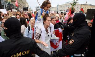 "Силовики провели задержания на ""женском марше"" в Минске"