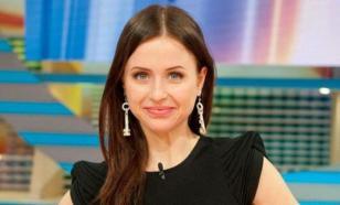 Мирослава Карпович благодарит Водонаеву за поддержку