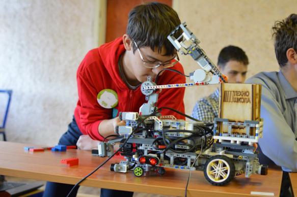"""Робототехника и киберспорт вошли в список """"уроков будущего"""""""