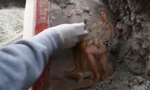 В Помпеях обнаружили уникальную фреску с изображением гладиаторов