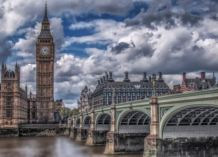 Представителя посольства РФ вызвали в британский МИД из-за отравления Скрипалей