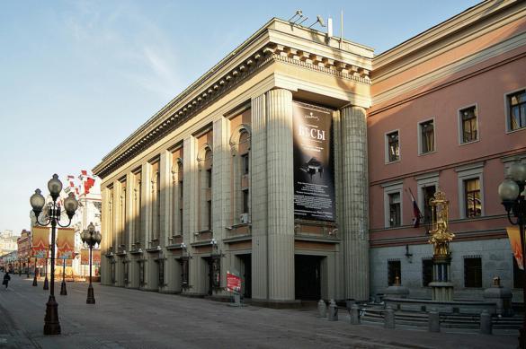 Директор театра Вахтангова призывает брать деньги за показы спектаклей