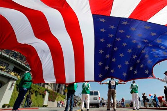 Gallup: Американцы перестают доверять политикам и себе самим