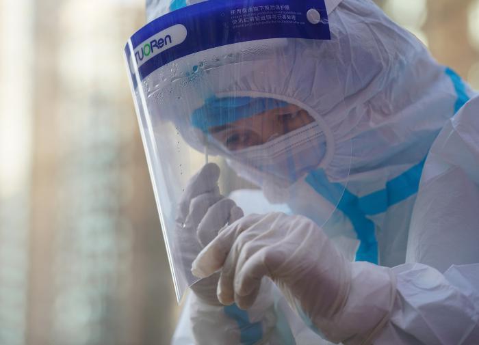 Гинцбург рассказал о коварстве индийского штамма коронавируса