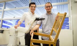 Роботов научили собирать мебель IKEA