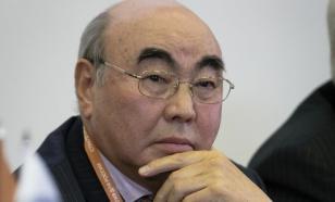 Экс-президент Киргизии Акаев, проходящий по делу о коррупции, улетел в Москву
