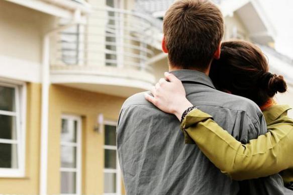 Треть покупателей жилья доверяют советам друзей