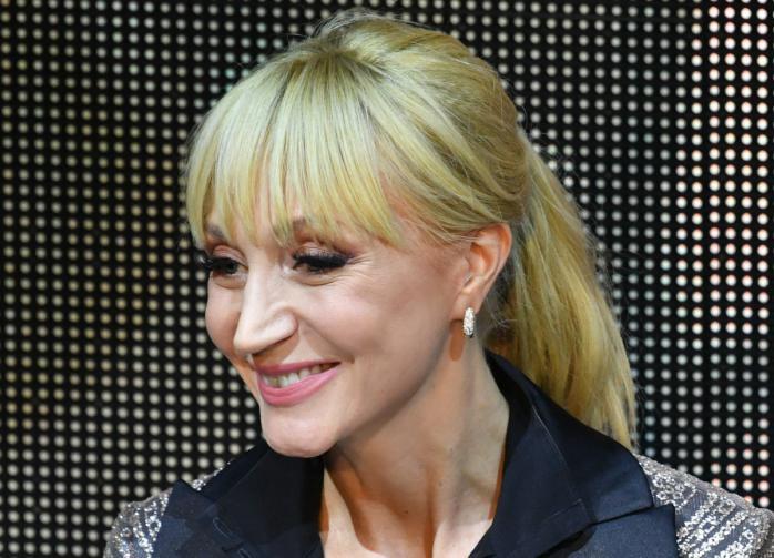 Поклонники раскритиковали Кристину Орбакайте за розовое платье