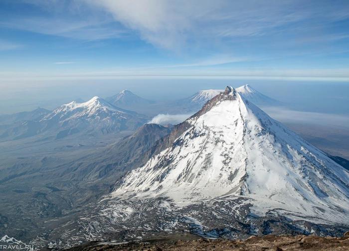 На камчатском вулкане из-за непогоды приостановили поиски пропавшего альпиниста