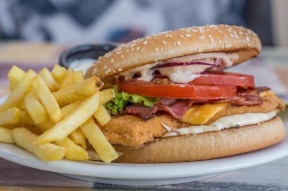 Канадские исследователи: чрезмерно жирная пища может спровоцировать рак