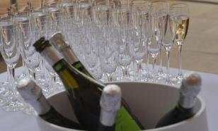 Эксперт: запрещать продажу алкоголя в кризис нельзя