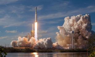 Илон Маск проверил систему эвакуации экипажа, взорвав ракету