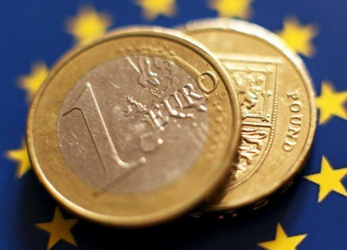 Финансисты дали прогноз по ситуации на валютном рынке РФ