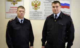 Двое полицейских в Самарской области спасли детей на пожаре
