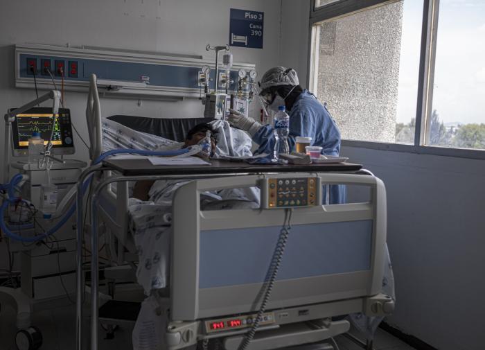 Вирусолог предупредил о больших потерях от коронавируса в регионах