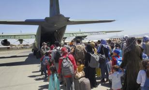 СМИ: десятки детей эвакуировали из Афганистана без родителей
