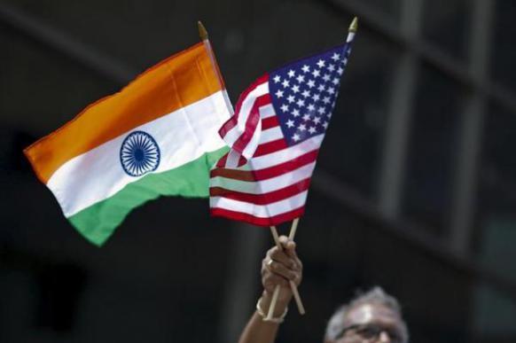 Индия и Россия пытаются обойти санкции США: мнение Bloomberg (США)