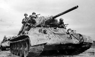 Зачем советские солдаты вешали ведро на ствол танка