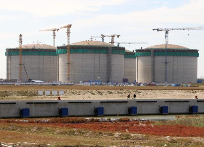 Китай строит крупнейшее в мире хранилище СПГ