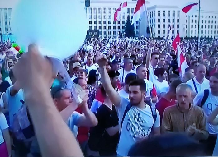 В Белоруссии отрабатывается новая технология управления толпой