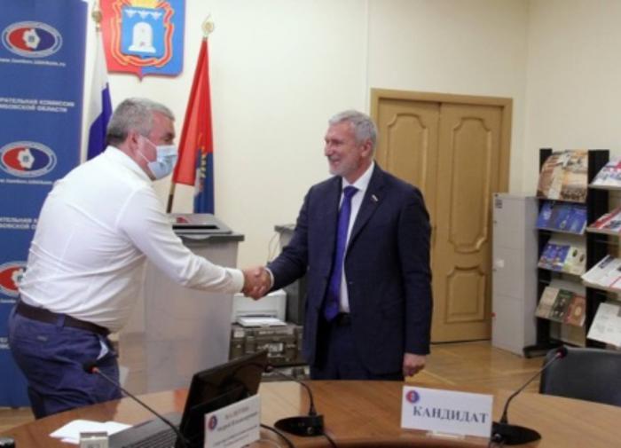 Депутат Алексей Журавлев поблагодарил Шнурова за поддержку Булановой