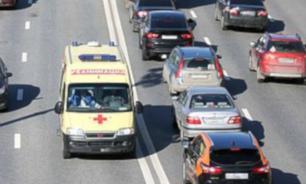 """Участники пикета в Пензе требуют от властей повысить зарплаты сотрудникам """"скорой помощи"""""""