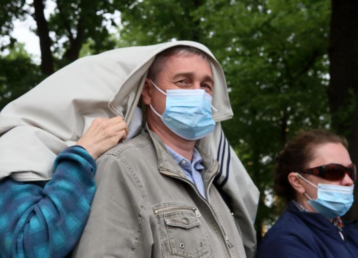 Резкий рост смертей от коронавируса произошел в России