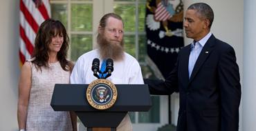 """Дело сержанта Бергдала: """"Обама считает, что дезертирство - это как школу прогулять"""""""
