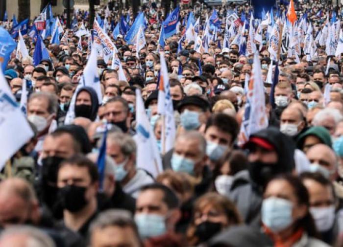 """Протест полицейских в Париже: """"Платят за то, чтобы служить, а не умирать"""""""