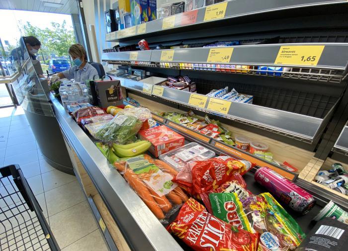 Диетолог назвал опасные для здоровья продукты с прилавков магазинов