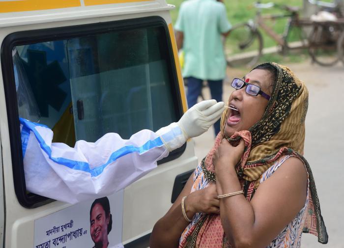 Прирост инфицированных в Индии за сутки больше 11 тысяч человек