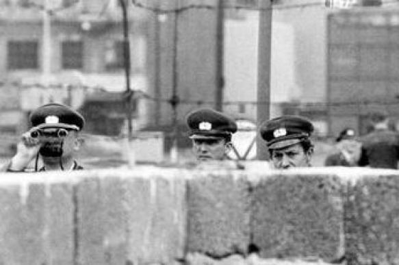 День единства Германии: Берлинская стена рухнула, а неравенство растет