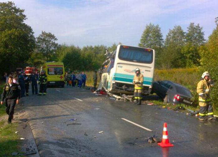 Восемь детей пострадали в результате столкновения двух автобусов на Кубани