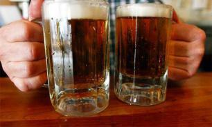 """Украинцы """"заливаются"""" российским пивом несмотря на запреты"""