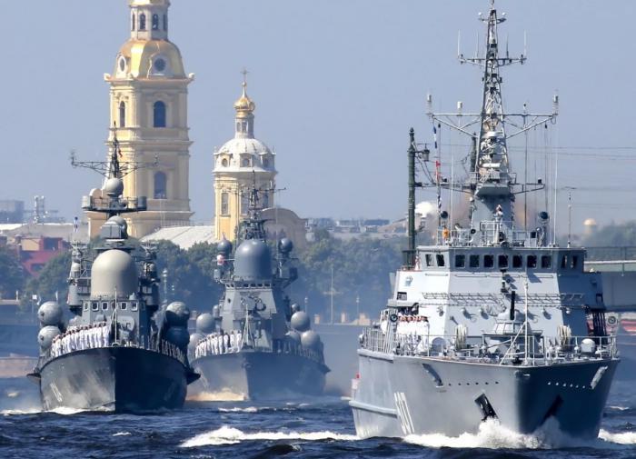 Военные моряки готовы выполнить долг даже тогда, когда флот режут по-живому