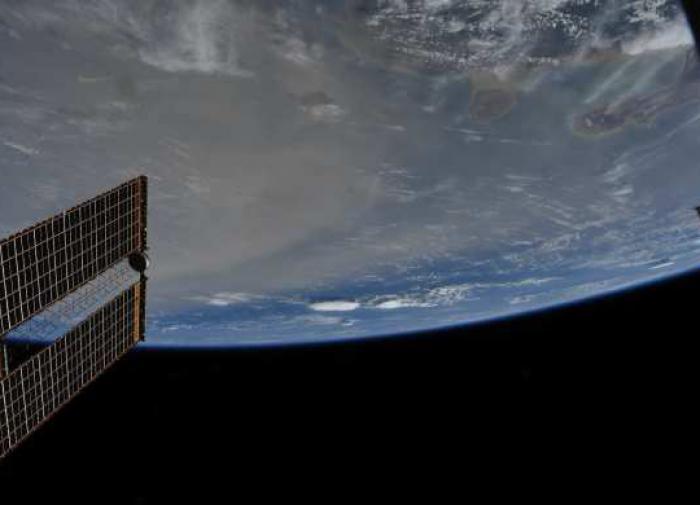Зеленский собрался выводить Украину в космос