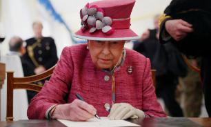 Королеву Елизавету вывезли из Букингемского дворца