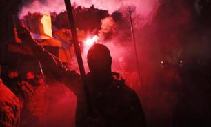 Украинские националисты разбили памятник генералу Ватутину