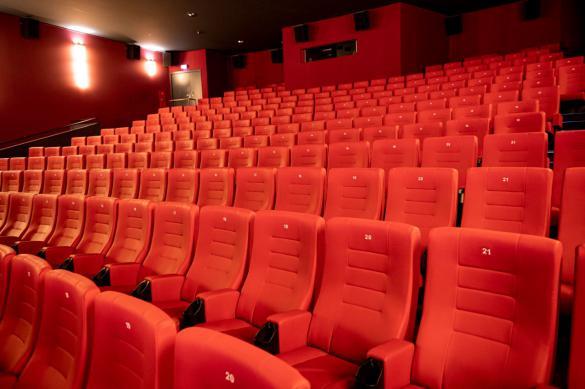 Роспотребнадзор рассказал, как ходить в кино безопасно