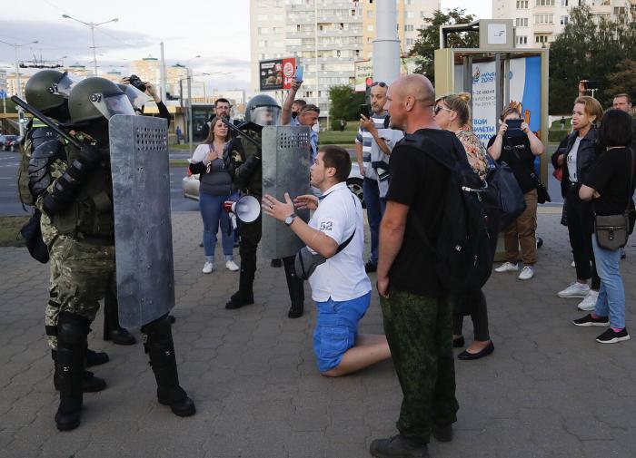 Задержанных на митингах в Белоруссии начали отпускать на свободу