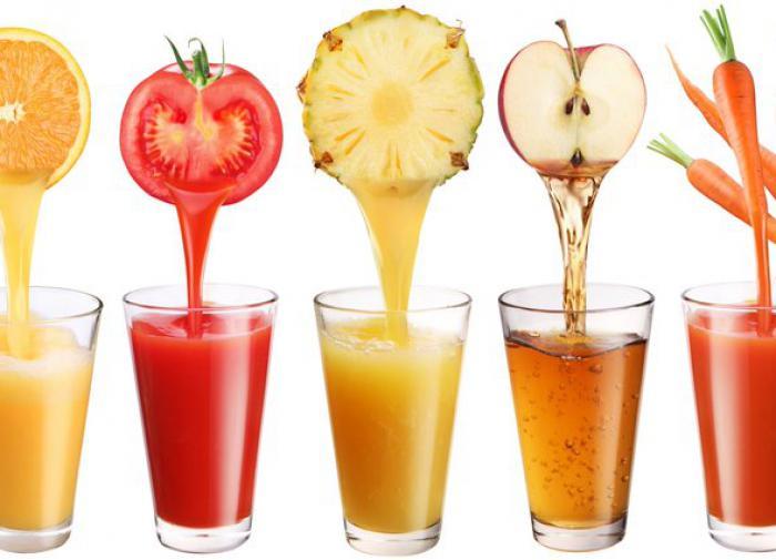 Гастроэнтеролог: соки негативно отражаются на здоровье печени