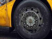 Автобус врезался в остановку в центре Петербурга, двое погибли