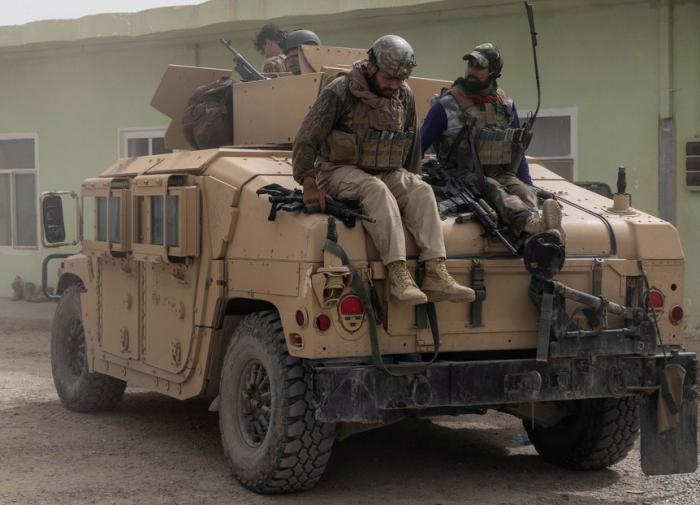 CNN: талибы расстреляли разоружённых афганских военных