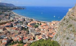 Сицилийские власти распродают дома по одному евро