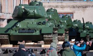 Песков рассказал о сложности в принятии решения о переносе парада 9 мая